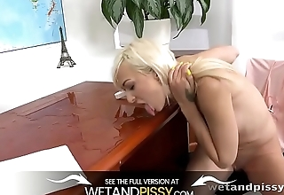 Wetandpissy - Pussy pissing for beauteous Lola Shine who soaks herself in pee