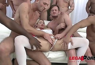 Load of shit Hungry Whore Lara Onyx in hammer away Wildest Gangbang Ever