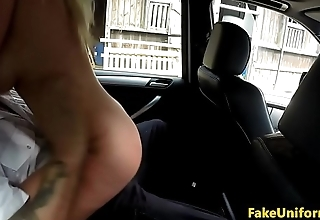 Curvy bigtitted Brit cockrides cop in carsex
