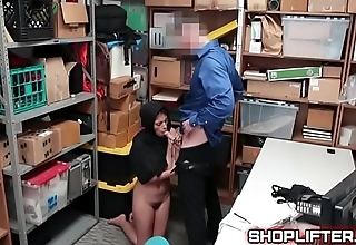 Busty Muslim Teenager Amateure Reality Backroom Porn