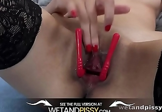 Wetandpissy - Czech coddle Ashley Ocean soaks her bedsheets with golden pee