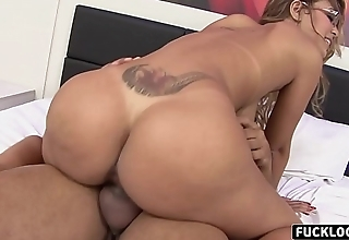 Anny Lee likes to play with a dick