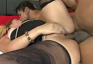 Maryana Kriguer gets her ass creamed after sucking a cock and being fucked in twat and ass