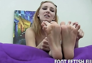 I know how much you love my sexy feet