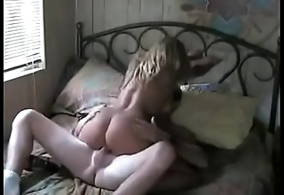 Vintage Amateur Homemade Fuck with Hooker in Hotel Locality - MORE AT: http://adf.ly/1Zq824