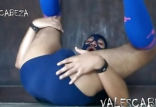 ValesCabeza235 SHOWING ASS mostrando el ano en SPEEDO
